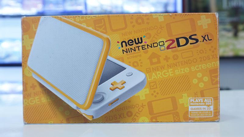 Nintendo New 2DS XL White cũ kèm 32gb - Máy đã hackfull - Chép game miễn phí